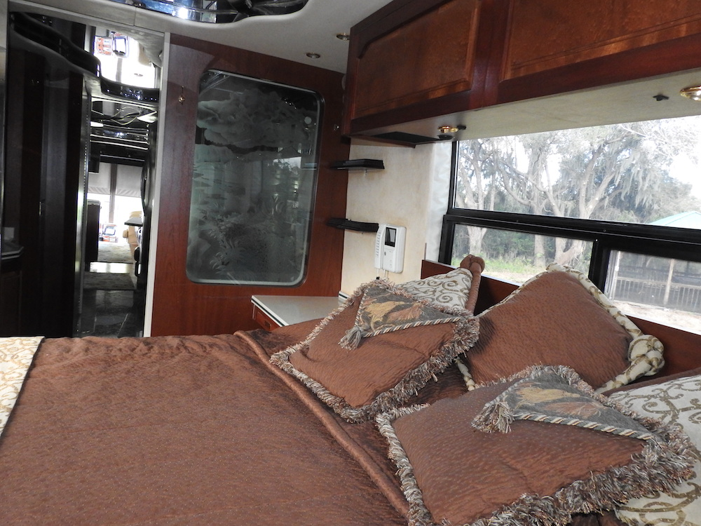 1997 Prevost Featherlite H3-45 For Sale