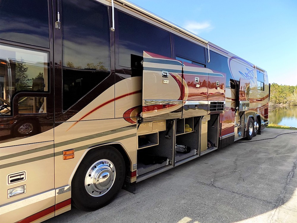 1998 Prevost Featherlite H3-45 For Sale