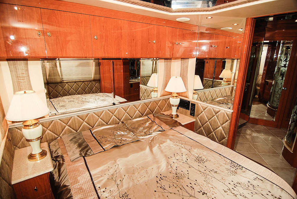 1999 Prevost Liberty XL For Sale