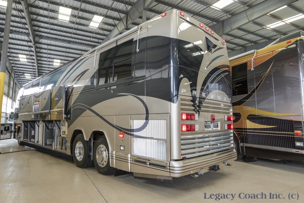 2000 Prevost Featherlite H3-45 For Sale