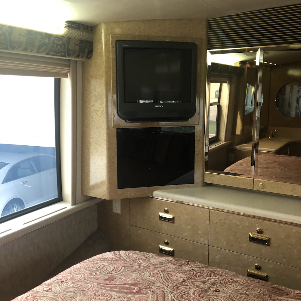 2000 Prevost Marathon XL For Sale