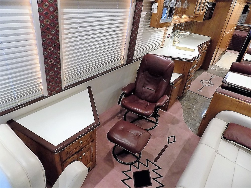 2001 Prevost Featherlite XLII For Sale
