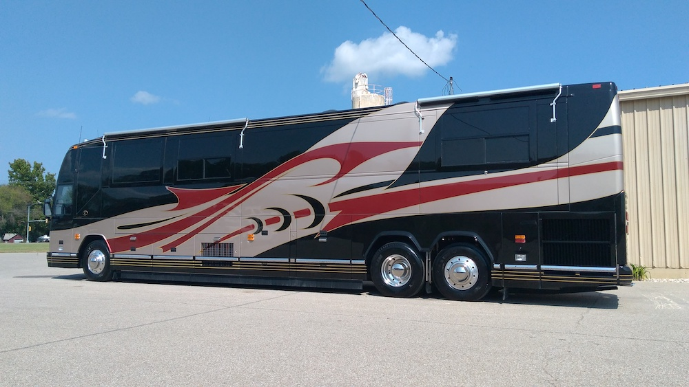 2002 Prevost Featherlite H3-45 For Sale