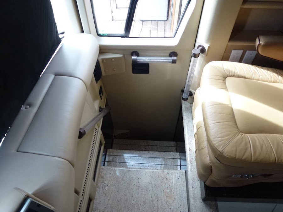 2002 Prevost Vision XLII For Sale