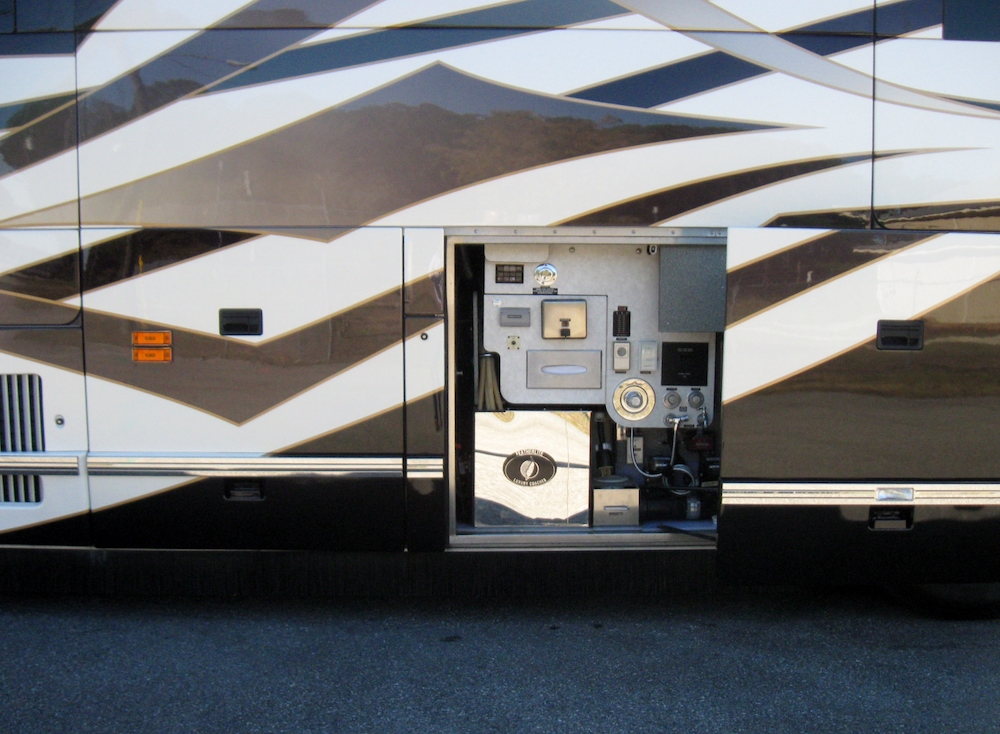 20084Prevost Featherlite H3-45 For Sale