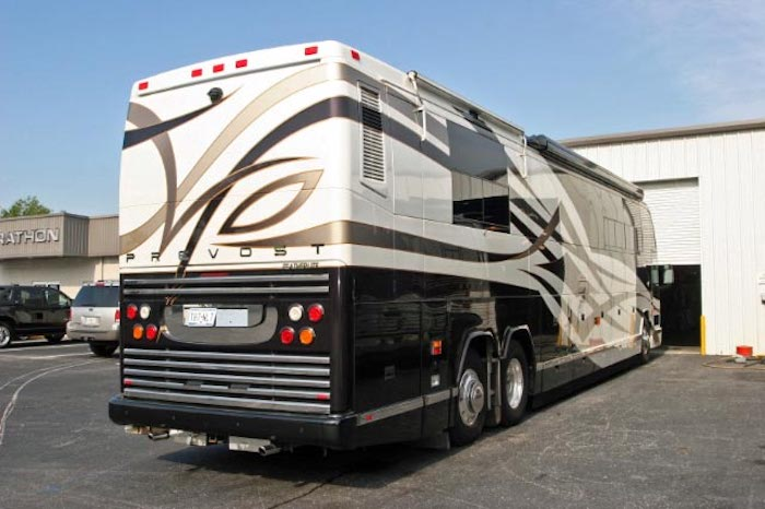 2004 Prevost Featherlite H3-45 For Sale