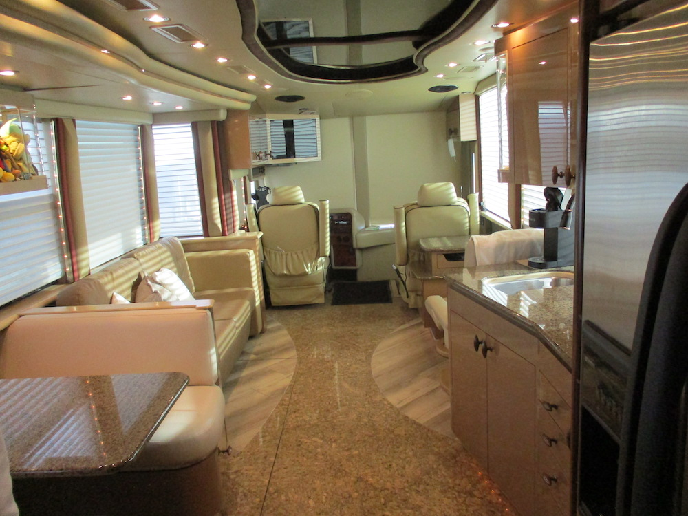 2004 Prevost Americann XLII For Sale