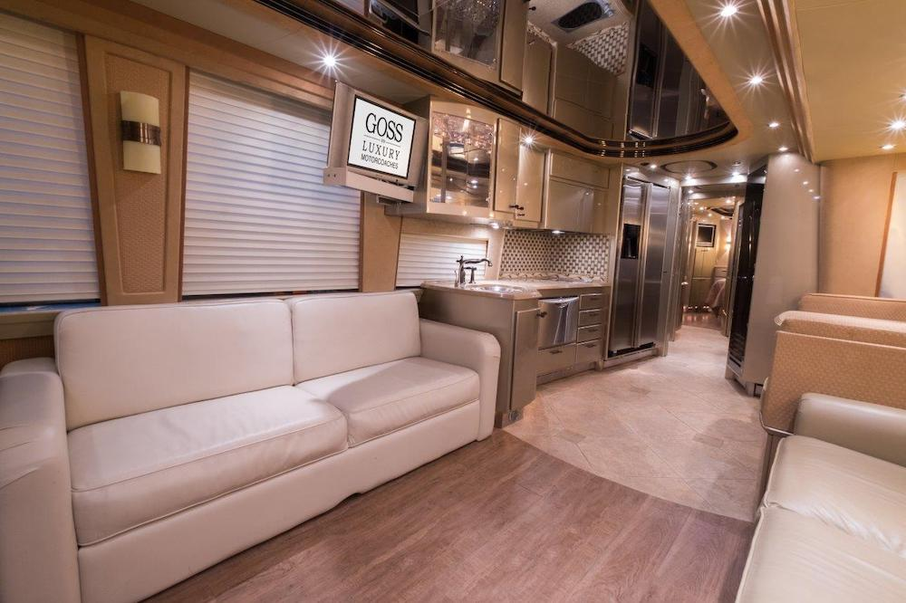 2005 Prevost Country Coach XLII For Sale