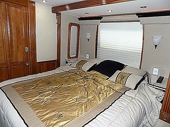 2007 Prevost Royale XLII For Sale