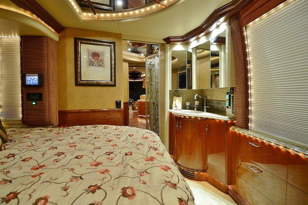 2006 Prevost Liberty XLII For Sale