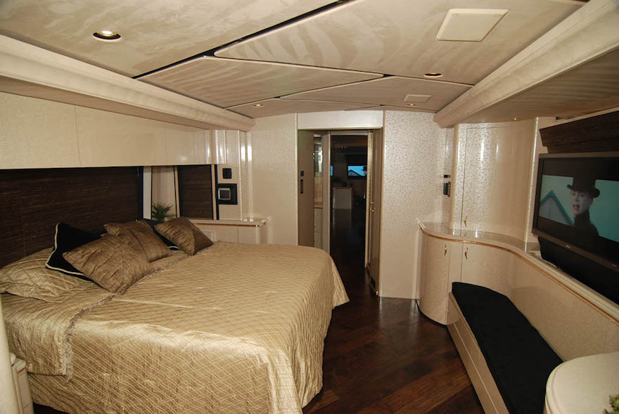 2006 Prevost Marathon H3-45 For Sale
