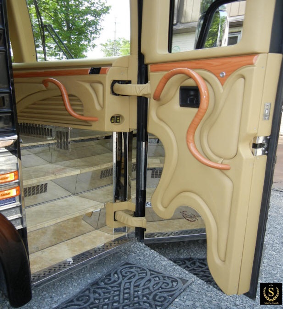 2007 Prevost Marathon XLII For Sale