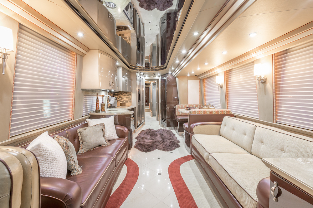 2014 Prevost Country Coach XLII For Sale