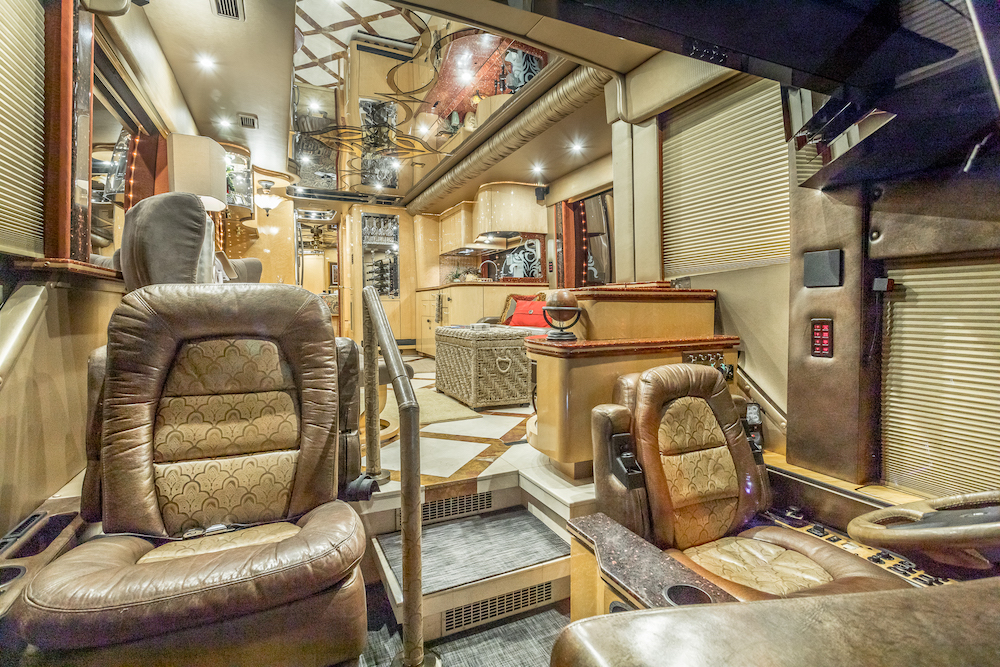2008 Prevost Featherlite H3-45 For Sale