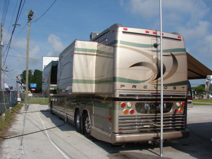 2008 Prevost Parliament H3-45 For Sale