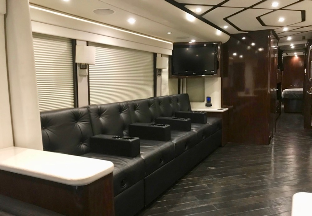 2010 Prevost Legacy H3-45 For Sale