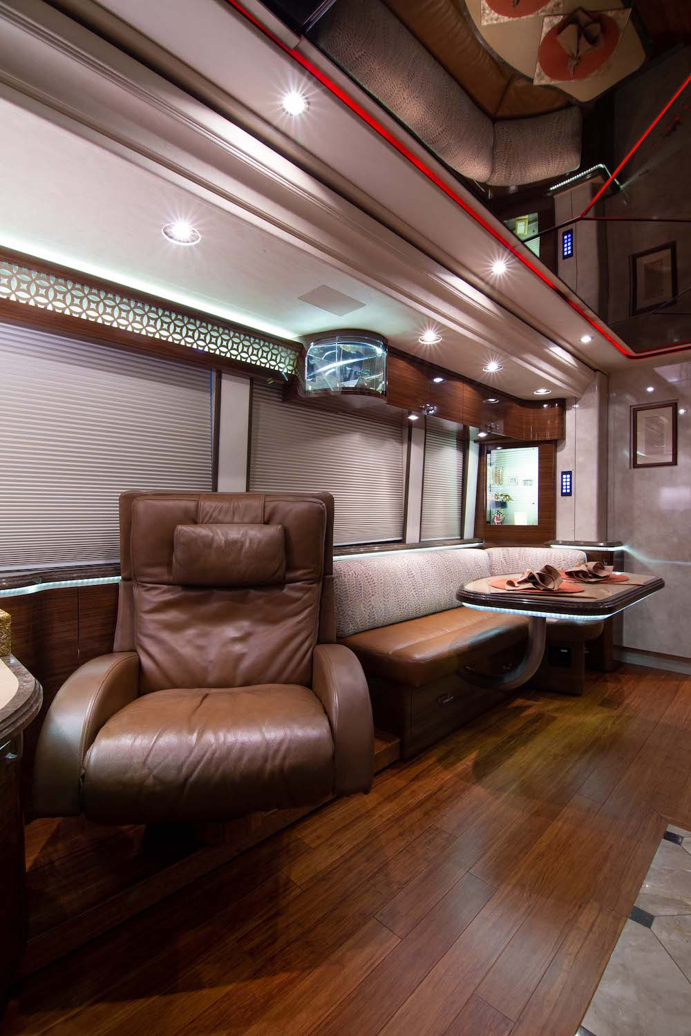 2010 Prevost Marathon XLII For Sale