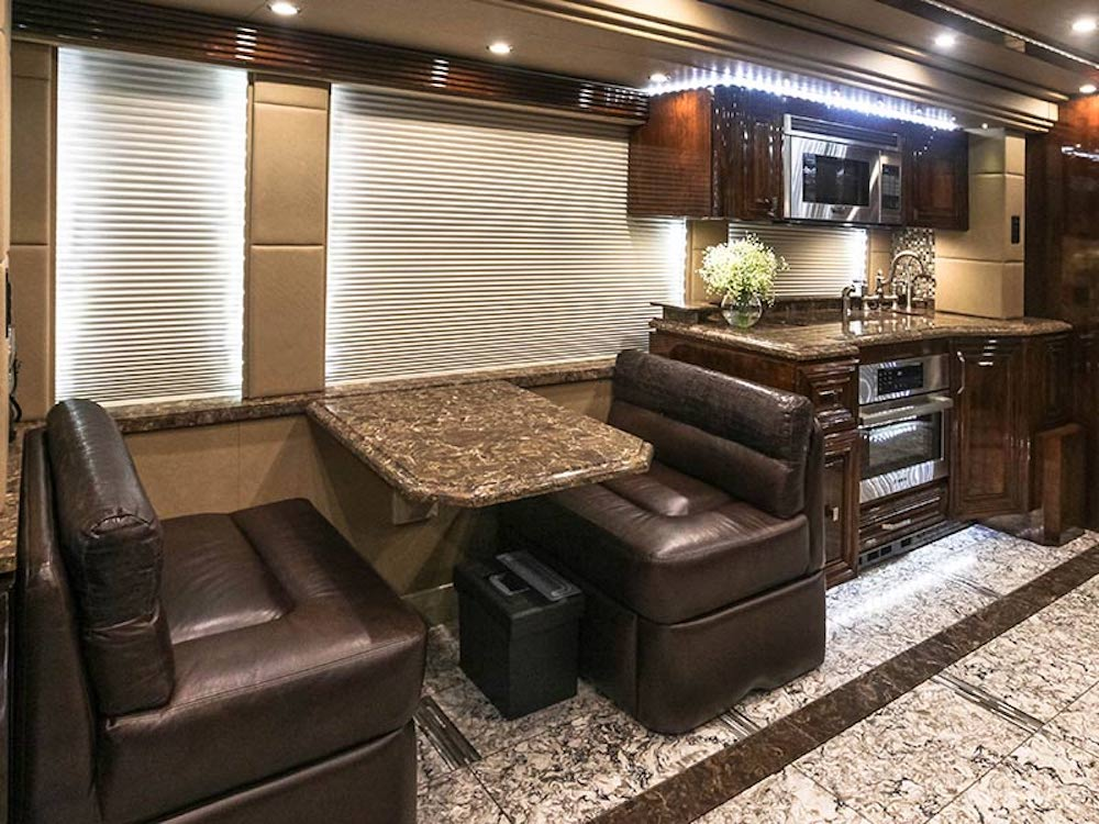 2016 Prevost Outlaw H3-45 For Sale