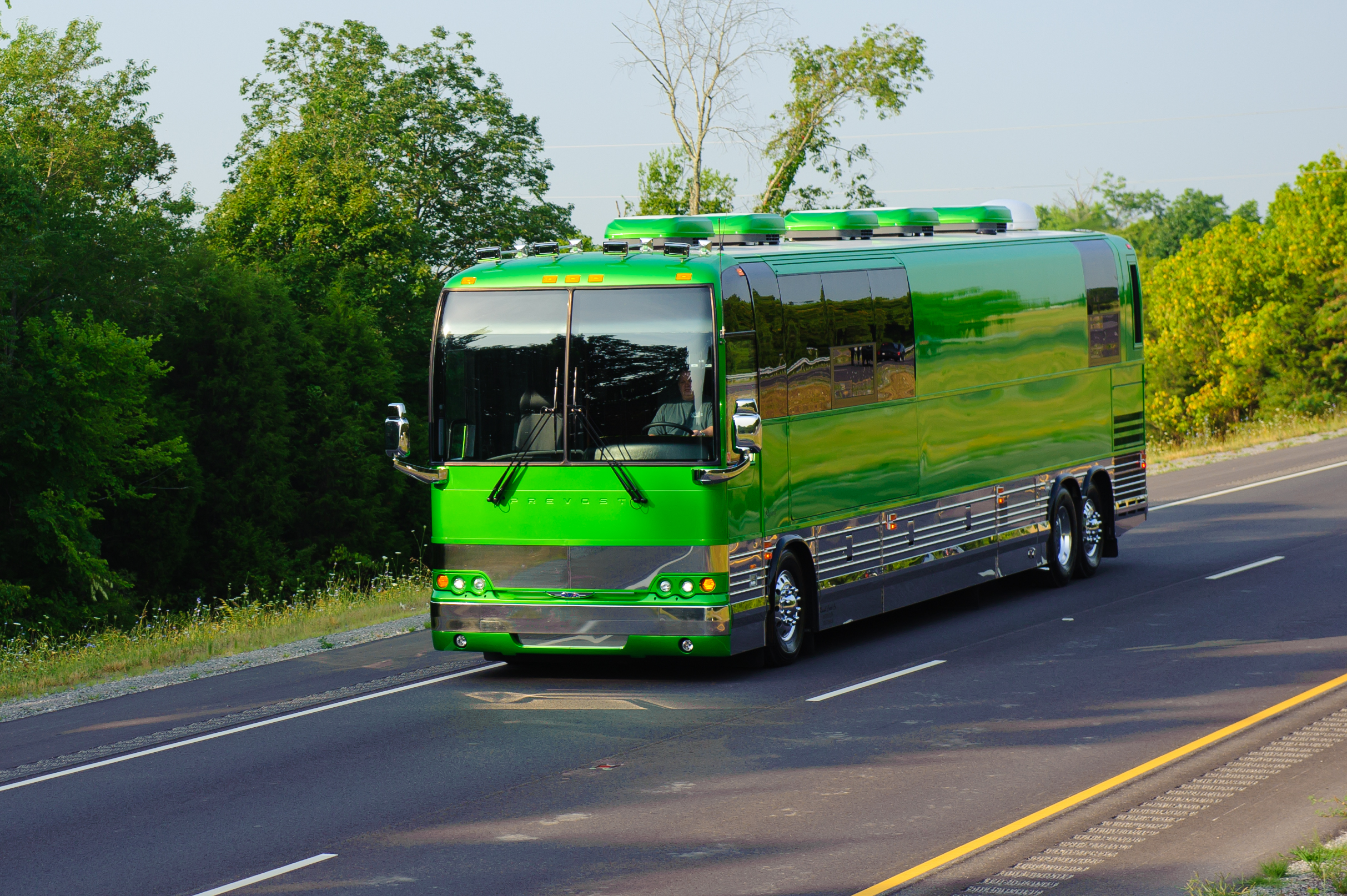 Russell coach article 103012 for Custom motor coach builders